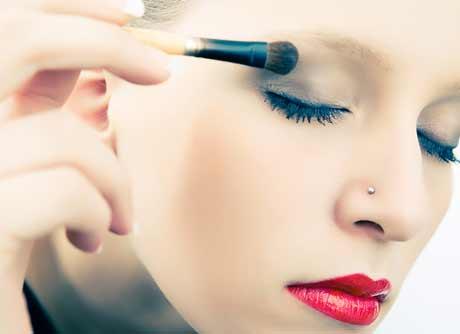 Las Chicas con Poco Maquillaje son Más Atractivas para los Hombres