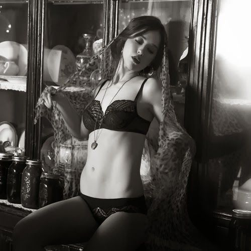 Christies lingerie-FW-2013 (20)