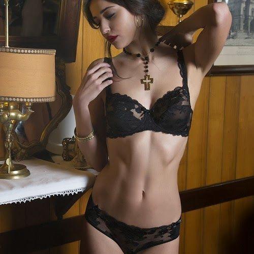 Christies lingerie-FW-2013 (27)