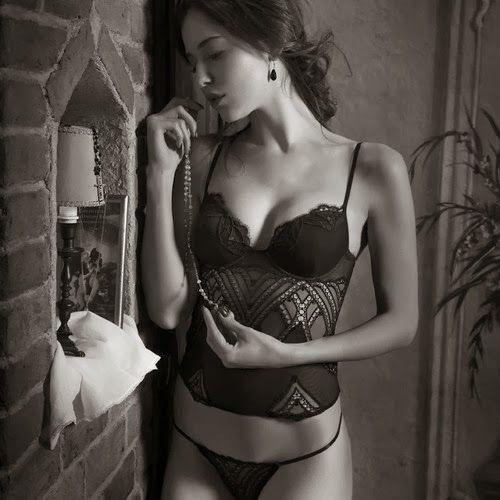 Christies lingerie-FW-2013 (8)