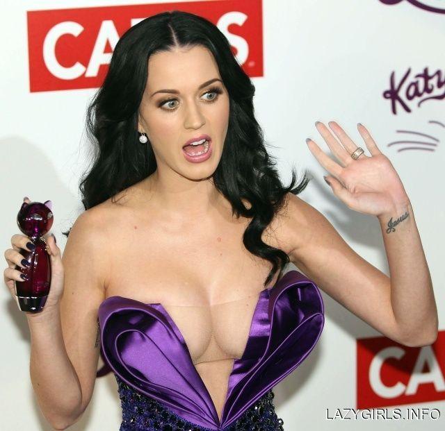 Katy-Perry-Vestido-Escote