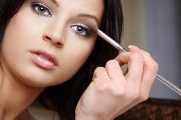 Disimular con maquillaje un rostro redondo