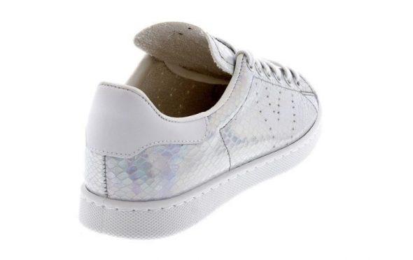 Calzado deportivo para mujer de la marca VAS