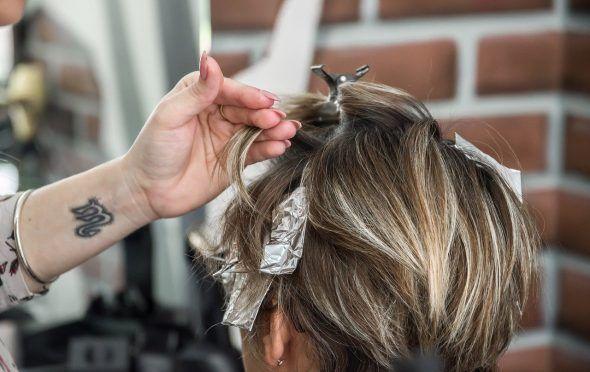 teñirse-cabello-sola